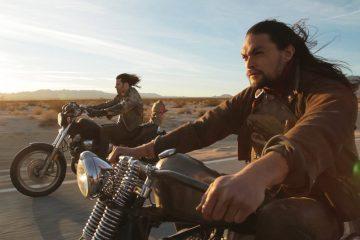 Jest tylko jedna osoba, kt&oacute;ra może pokazać światu nowego Harleya-Davidson i jest to Jason Momoa<