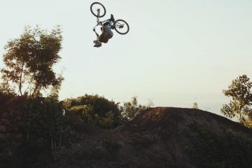Wyspa Bali z zupełnie nowej perspektywy i rowerowe triki<