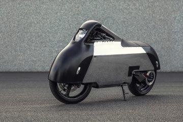 Jeden z pierwszych elektrycznych skuter&oacute;w - VX 1 Maxi Scooter, przeszedł przemianę w futurystyczny motocykl<