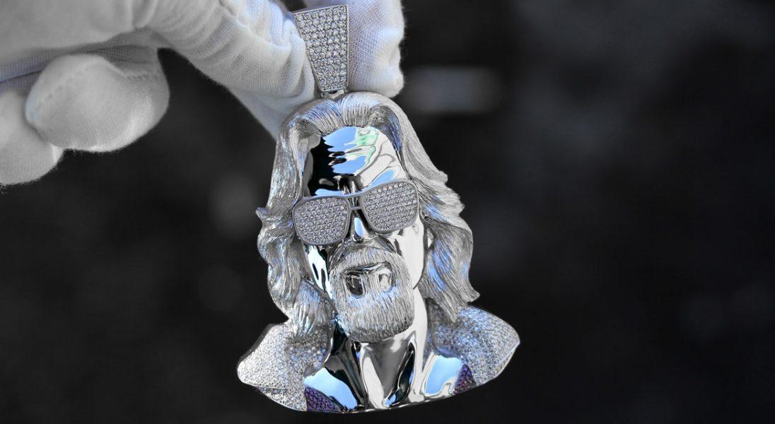 Ben Baller stworzył wysadzany diamentami naszyjnik z Big Lebowskim na 40 urodziny Johna Mayera