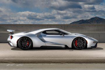 Ford GT - czego można się spodziewać po amerykańskim supersamochodzie za 450 tysięcy dolarów