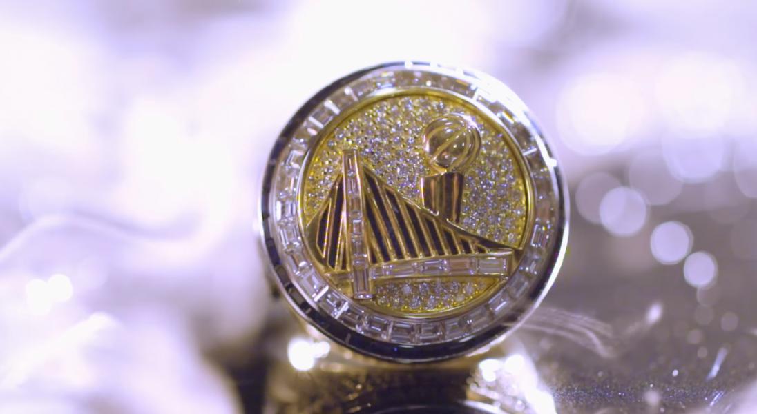 Zobaczcie, jak powstaje wysadzany diamentami i szafirami mistrzowski pierścień NBA