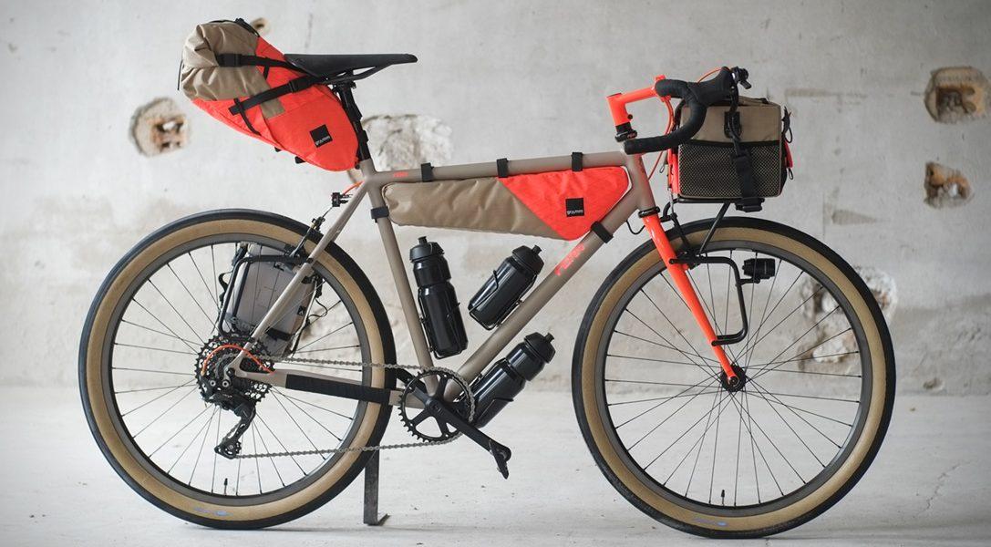 Fern Chuck Touring Bike to perfekcyjny rower na długie wyprawy
