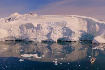Zobaczcie Antarktykę oraz całe jej piękno i zacznijcie marzyć o podróży do prawdziwej krainy lodu