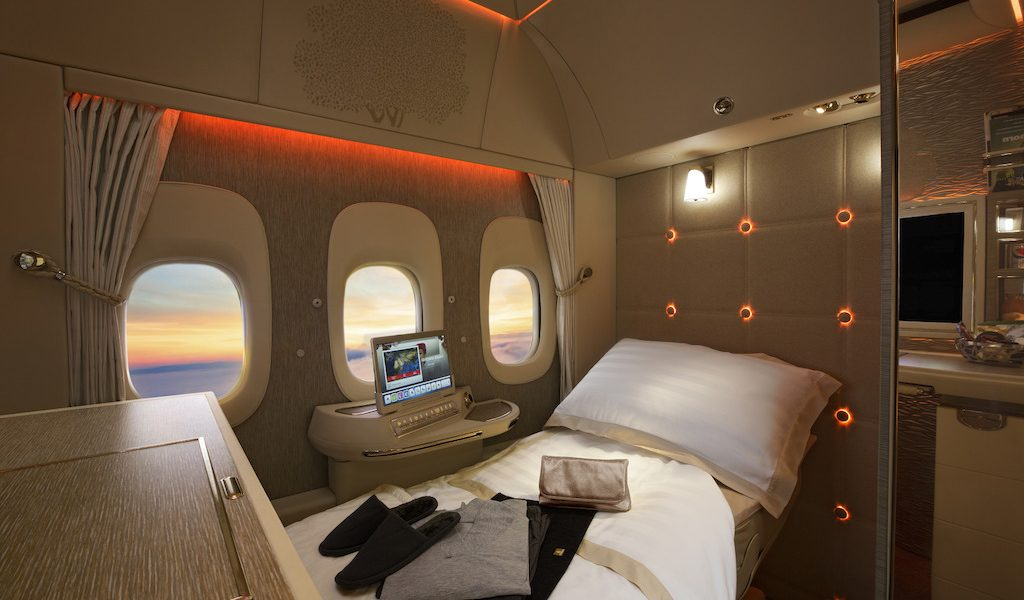 Sprawdźcie, jak wygląda lot w luksusowej kabinie pierwszej klasy linii Emirates