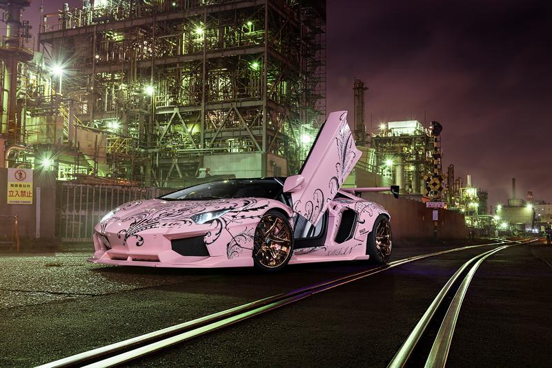 W Japonii spotkacie różowe Lamborghini Aventador z kwiatowymi motywami
