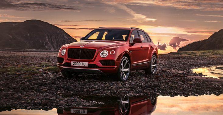 Bentley pokazuje kolejną odsłonę luksusowego SUV-a. Oto model Bentayga z benzynowym silnikiem V8<