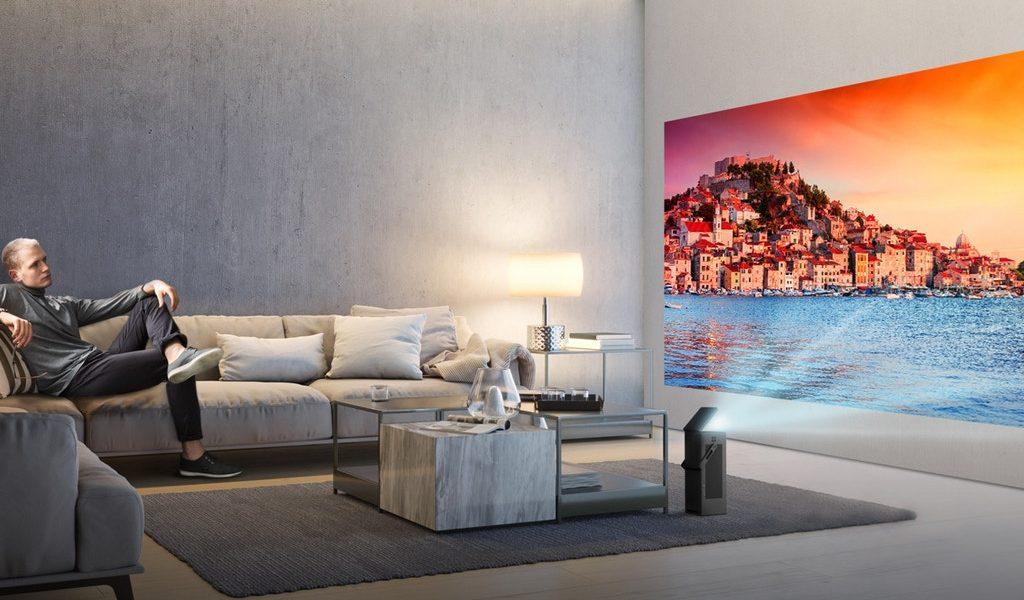 Nowości od LG: telewizor z ekranem OLED 8K, 150-calowy projektor oraz telewizor, który składa się jak plakat