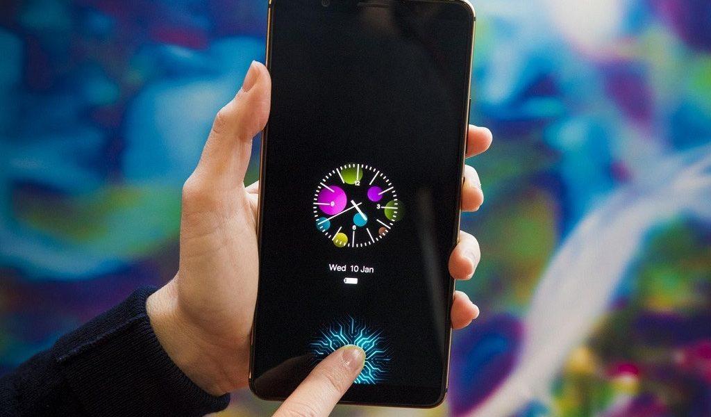 Powstał pierwszy smartfon z czytnikiem linii papilarnych w ekranie