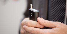 E-papierosy vs. urządzenia podgrzewające tytoń – co wiemy o zamiennikach papierosów?