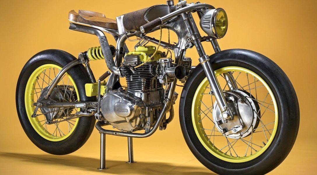 ONE to piękny motocykl złożony ze starych części pochodzących z Hondy CB350