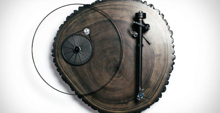 Audiowood x Uncrate Barky to przepiękny drewniany gramofon<