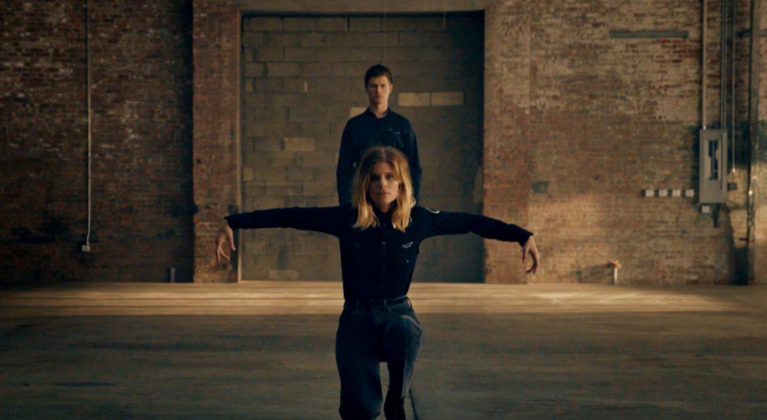 Rag & bone z kreatywną kampanią. Występują Kate Mara i Ansel Elgort, a za muzykę odpowiada Thom Yorke