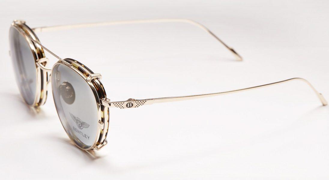 W najnowszej kolekcji okularów przeciwsłonecznych Bentley wykorzystano złoto, pallad i tytan