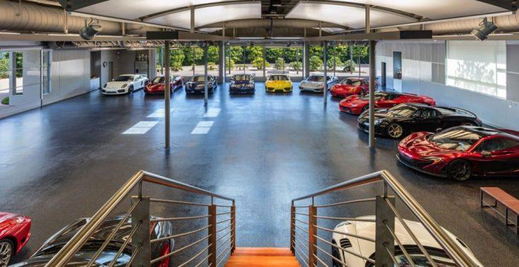 Prywatne muzeum supersamochod&oacute;w w Malibu czeka na nowego właściciela<