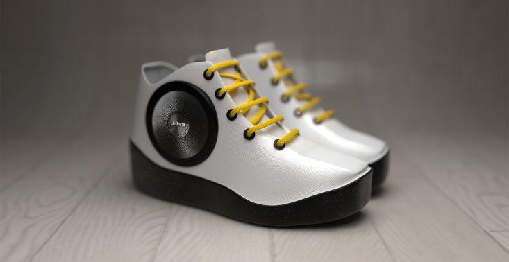 Jabra na nowo definiuje pojęcie mobilnej technologii dźwięku wprowadzając na rynek jedyne w swoim rodzaju Speaker Sneaker!<