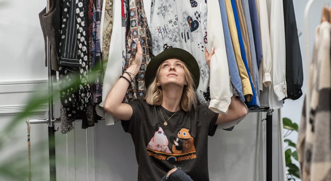 Dlaczego warto nosić rzeczy vintage? Rozmawiamy z założycielką sklepu inspirowanego Amsterdamem