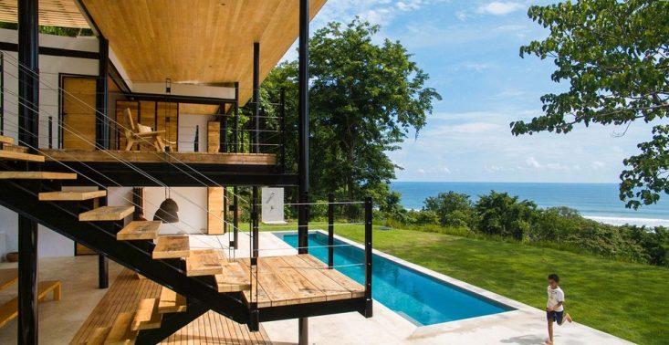 Ocean Eye House to energooszczędny dom nad brzegiem Oceanu Spokojnego<