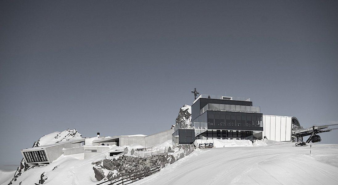 W Tyrolu powstało interaktywne muzeum Jamesa Bonda pełne szybkich samochodów
