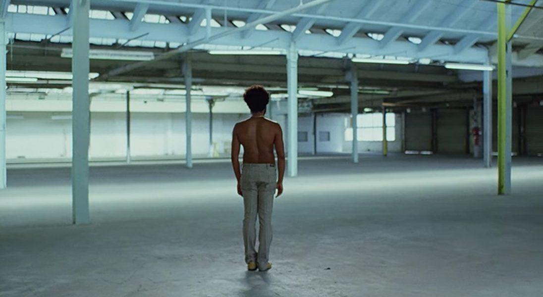 Donald Glover a.k.a Childish Gambino w nowym klipie ostro rozprawia się ze współczesną Ameryką