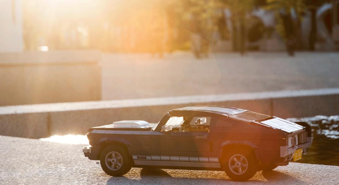 Zbudowaliśmy swojego Forda Mustanga i wyjechaliśmy z nim na ulice Warszawy