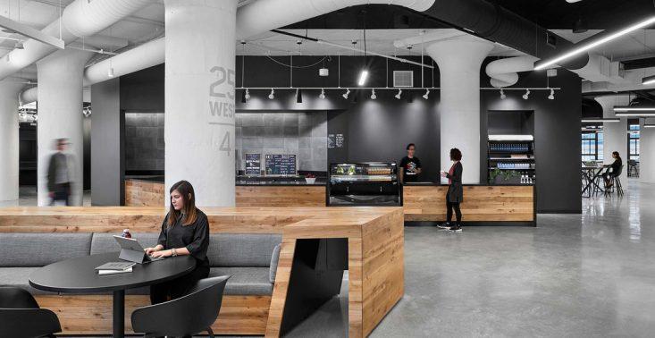 W nowej siedzibie Reeboka znajduje się ogromna siłownia i przestrzeń do coworkingu<
