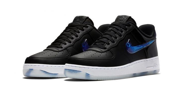 Nike wypuszcza buty dla fan&oacute;w PlayStation 4<