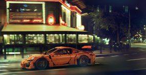 W centrum Warszawy pojawiło się Porsche z klocków Lego