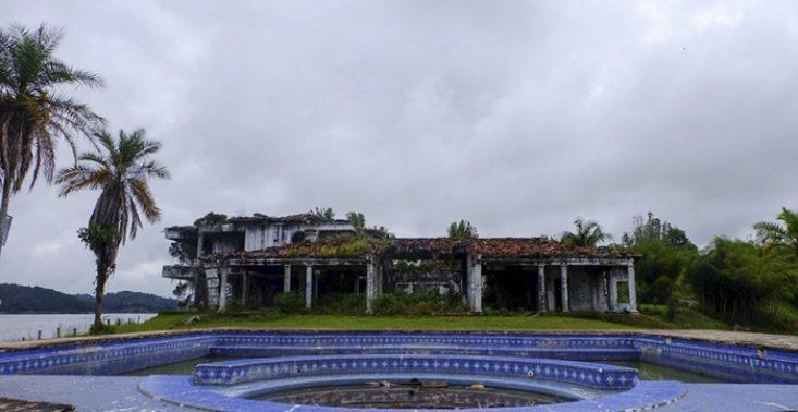 Kolumbijska willa Pablo Escobara została przekształcona w obiekt do paintballa<