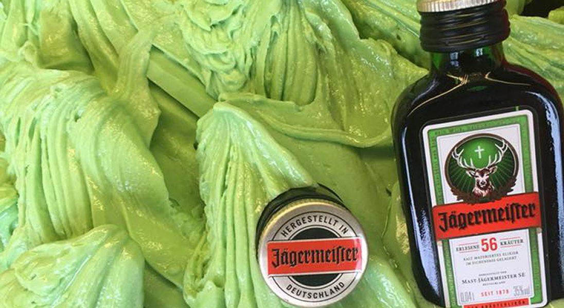 Lody o smaku Jägermeistera z energetykiem? To może być hit tego lata