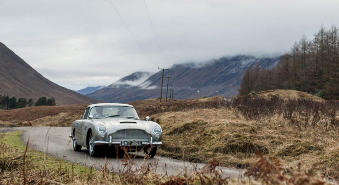 Wielki powrót Astona Martina DB5. Powstaną repliki samochodu Jamesa Bonda