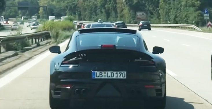 Nowe Porsche 911 &quot;przyłapane&quot; na drogowych testach<