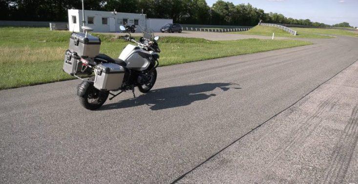 BMW pokazało sw&oacute;j autonomiczny motocykl R1200GS<