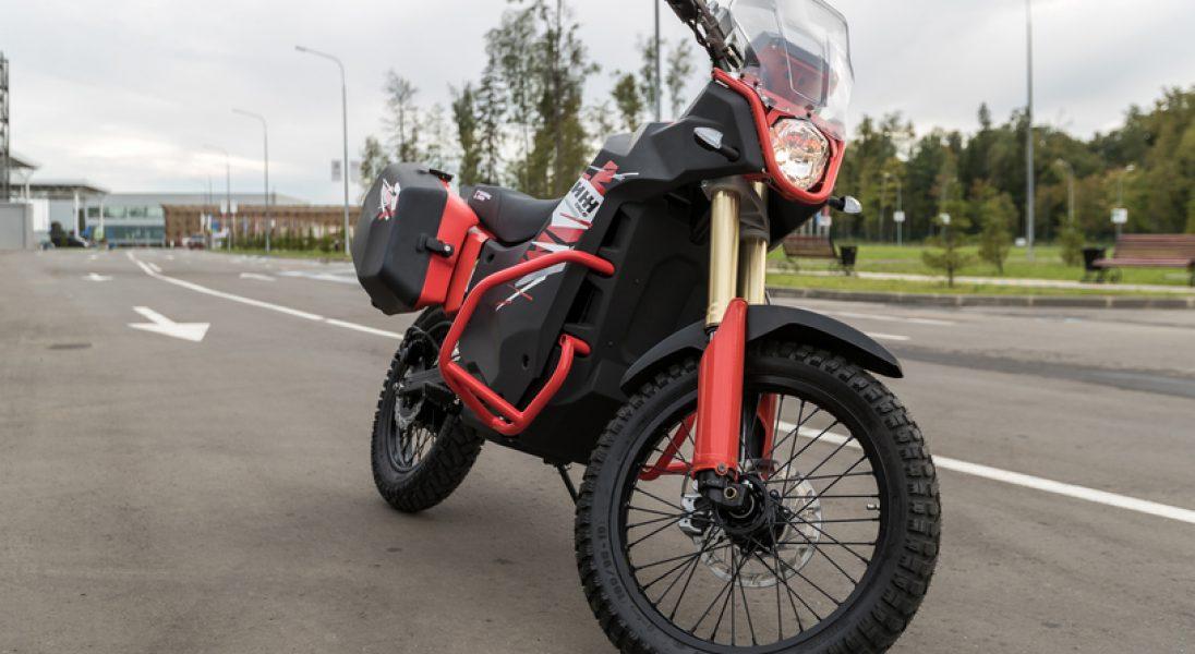 Kałasznikow pokazuje nowe modele cywilnych motocykli z napędem elektrycznym