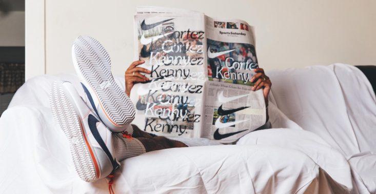 Kapcie-sneakersy od Nike i Kendricka Lamara to idealny gadżet dla maniak&oacute;w sportowych but&oacute;w<