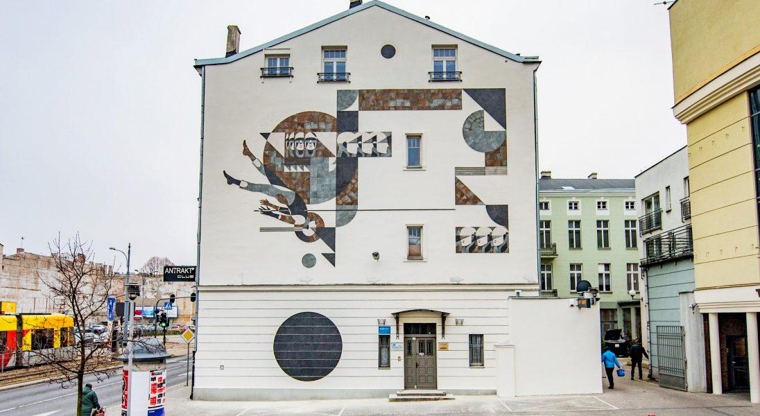 Z miłości do sztuki, miasta i designu. Unikalna instalacja ceramiczna zmienia przestrzeń miejską w Łodzi