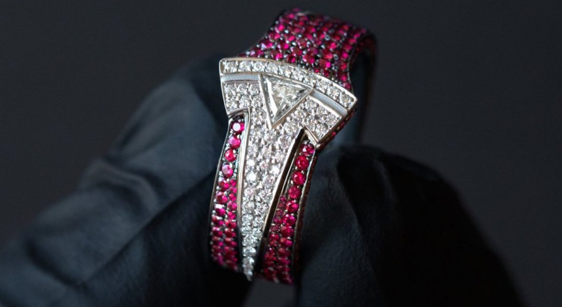 Ben Baller zaprojektował pierścień z diamentów i rubinów dla Elona Muska