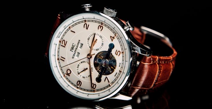 5 czynnik&oacute;w, kt&oacute;re wpływają na ceny luksusowych zegark&oacute;w<