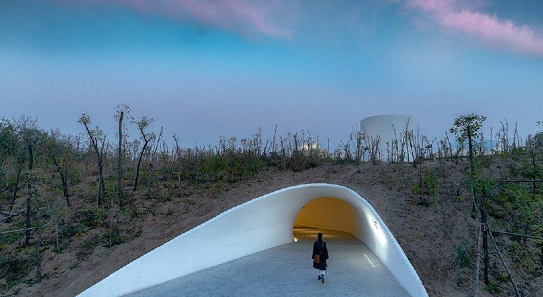 W Chinach otwarto muzeum, które znajduje się pod wydmami