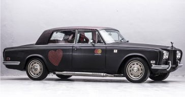 Szukacie dla siebie czegoś na aukcjach WOŚP? Co powiecie na Rolls-Roycea odpicowanego w garażu braci Collins