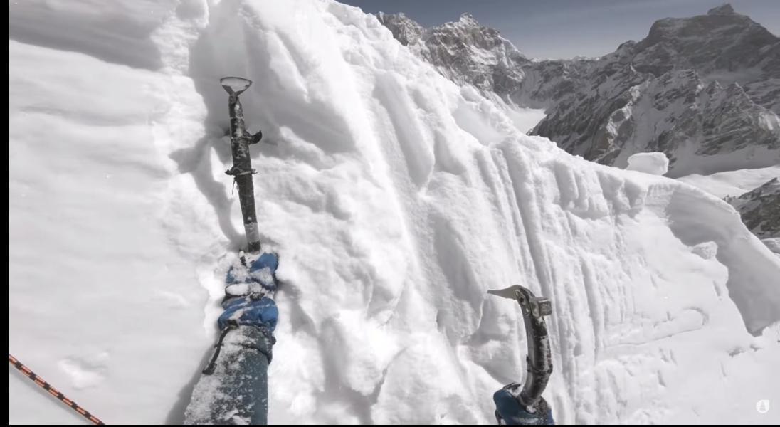 ZABARDAST - niezwykły dokument ze wspinaczkowo-narciarskiej wyprawy w Karakorum do obejrzenia za darmo w 4K na YouTube