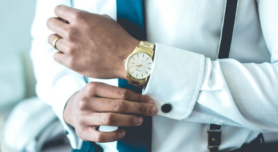 Jak nosić męską biżuterię?