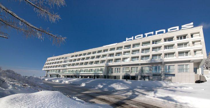 Modernistyczne hotele w Polsce. Oto 8 najbardziej stylowych miejsc w duchu modernizmu<