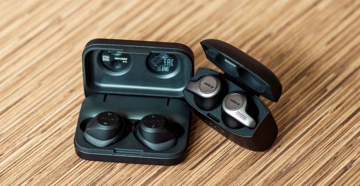Jabra Elite 65t vs Jabra Elite Sport - kt&oacute;re w pełni bezprzewodowe słuchawki są dla Ciebie?<