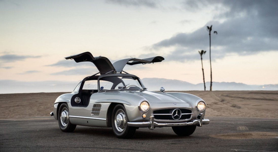 Adam Levine z Maroon 5 rozstał się ze swoim przepięknym Mercedesem 300 SL Gullwing z 1955 roku
