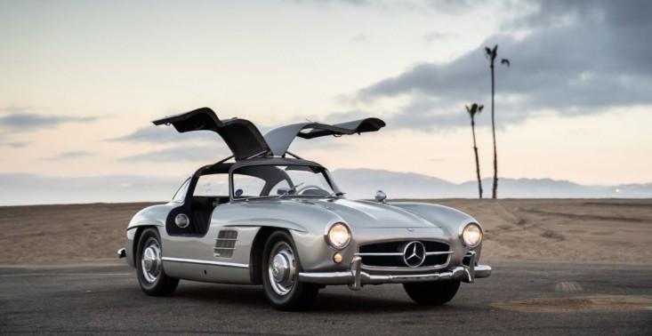 Adam Levine z Maroon 5 rozstał się ze swoim przepięknym Mercedesem 300 SL Gullwing z 1955 roku<