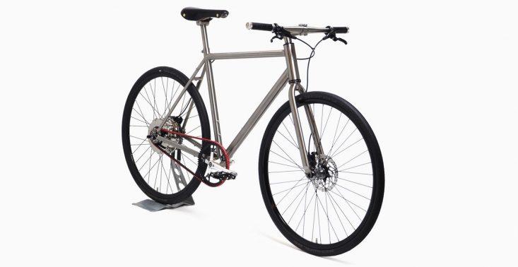 Samoładujący się rower elektryczny Nua Electrica<