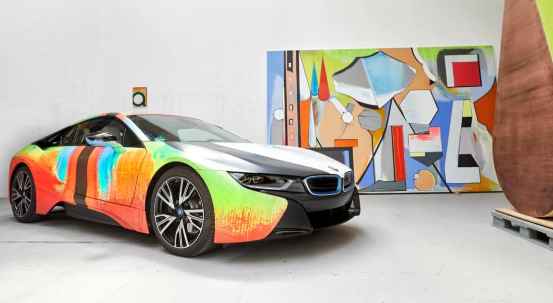 Artysta Thomas Scheibitz przemienił BMW i8 w małe dzieło sztuki