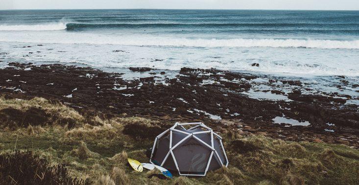 Najbardziej stylowe namioty, które zabierzesz zarówno na festiwal, jak i łono natury<