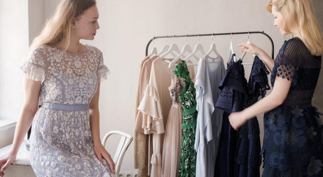 Wypożyczaj zamiast kupować. 6 miejsc, w których wypożyczysz ubrania